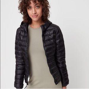 Aritzia TNA Botanie black down puffer jacket